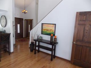 A Vacation To Remember In A Home That Brings The Outdoors Inside! - Flagstaff vacation rentals