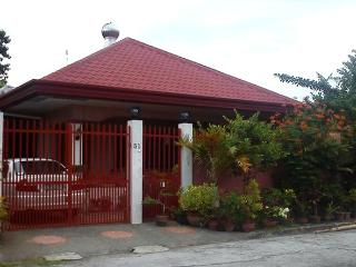 Spacey one storey house in subdiv near Davao City - Davao vacation rentals