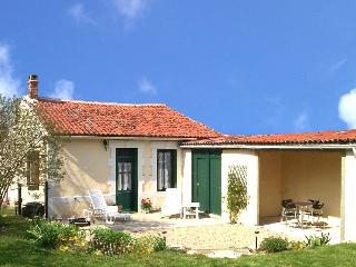 Perfect Cottage in La Foye de Vinax with Satellite Or Cable TV, sleeps 2 - La Foye de Vinax vacation rentals