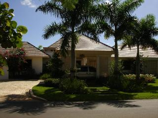 Villa Tamarindo, Full Staff, Up To 40% Off! - La Romana vacation rentals
