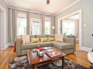 2br/2ba Sleeps 6, Walk to Shops, Restaurants, Park - Charlotte vacation rentals