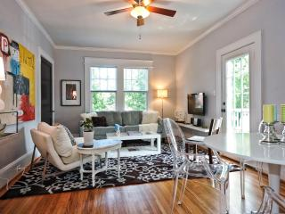 Bright and Quiet 2br Furnished Apartment Charlotte - Charlotte vacation rentals