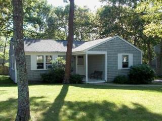 WALK TO POPPONESSET BEACH 121784 - Mashpee vacation rentals