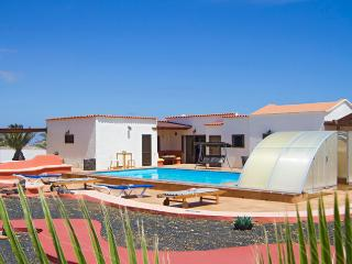 Nice Villa with Dishwasher and Stove - Las Laderas vacation rentals