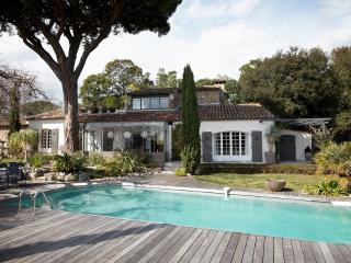 Villa Ombre- Large St Tropez Holiday Rental with Pool, AC, and Near Beach - Saint-Tropez vacation rentals