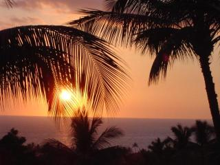 Spectacular Sunsets from 3 BR Top Floor Ocean View Condo - Country Club Villas - Keauhou - Kailua-Kona vacation rentals