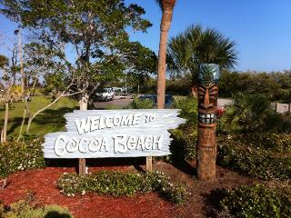 Ocean Front Cocoa Beach, Florida - *Ocean Front 1/1 Pet Friendly Downtown Cocoa Beach - Cocoa Beach - rentals