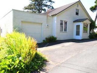 Ocean View Love Nest - Lincoln City vacation rentals
