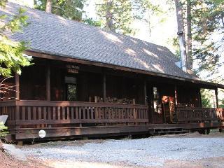 A Cozy Mountain Cabin - 2 Bedroom & Loft, 2 Bathroom Sleeps 10 - Arnold vacation rentals
