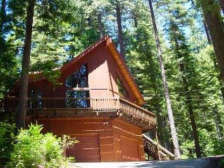 Brother House is the perfect getaway. 4 bedrooms, loft, 3.5 baths.  Sleeps 8. - Arnold vacation rentals