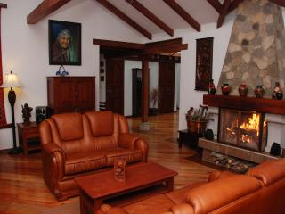 Luxurious Mountain Home Near Quilotoa & Cotopaxi - Cotopaxi vacation rentals
