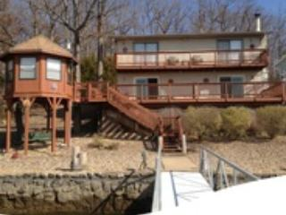 3 BR 2.5 Baths with a Great View and location - Lake of the Ozarks vacation rentals