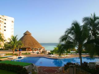 Luxury Cancun accommodations without all inclusive fees! - Sedona vacation rentals