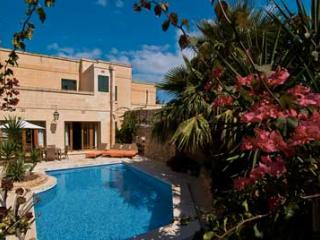Great holiday home on Gozo pool and Jacuzzi 205 - Island of Gozo vacation rentals