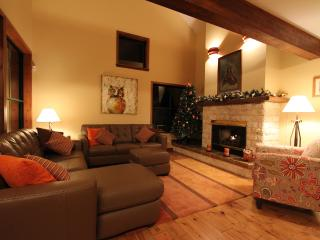 Luxury Northern Lights townhome w. private hot tub - Whistler vacation rentals