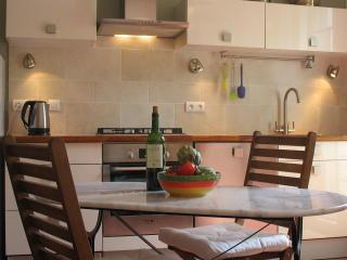 Gorgeous Condo with Internet Access and Wireless Internet - Céret vacation rentals