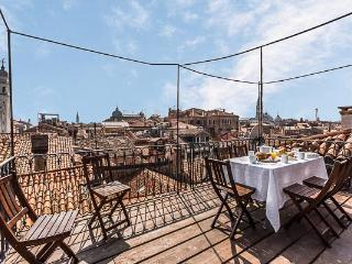 Convenient 2 bedroom Apartment in Venice - Venice vacation rentals