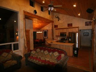 Luxurious - Southwest Comfort - Spa Master Bath - - Moab vacation rentals
