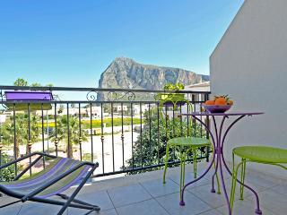 Mira4 - San Vito Lo Capo a 650 metri dalla spaiggia - San Vito lo Capo vacation rentals