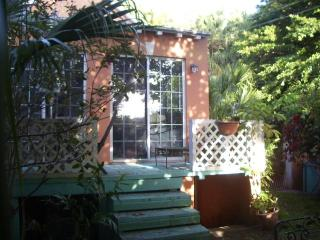 Bermuda Cottage in Old St. George's - Weekly Rental - Saint George vacation rentals