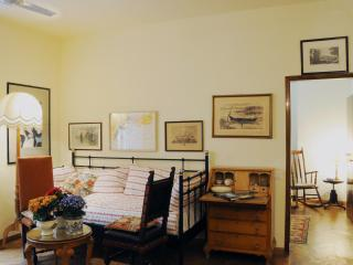 Lovely Apartment in Santa Croce, Florence - Florence vacation rentals