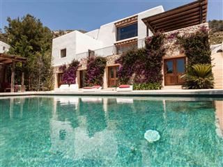 Spacious Villa in walking distance to the beach - San Miguel vacation rentals