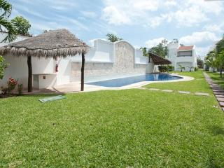 Mayamar Cosy Family House Minutes to the Beach - Playa del Carmen vacation rentals