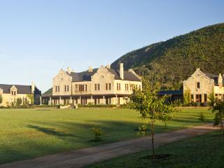 Kurland Villa, near S.A.'s Plettenberg Bay, Villa on Polo Estate, sleeps 16 in Luxury, Private Pool, - The Crags vacation rentals