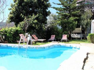 Kani White Apartment - Linda-a-Velha vacation rentals