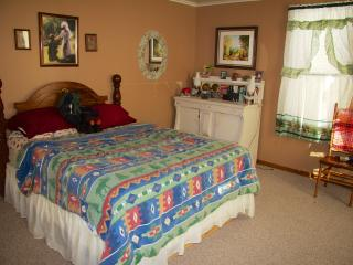 Nice 5 bedroom Cottage in Saint Ignace - Saint Ignace vacation rentals