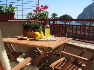 Cozy central beachfront apartment! - Sant' Alessio Siculo vacation rentals