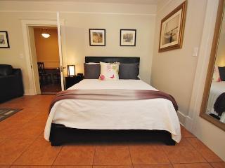 Special Rate Marmaduke Hamilton Suite 1 - Savannah vacation rentals