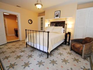 Special Rate Marmaduke Hamilton Suite 3 - Savannah vacation rentals