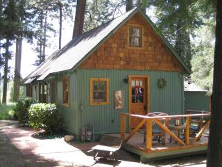 """The Wildflower Cabin, """"Just for Two."""" - Lake Arrowhead vacation rentals"""