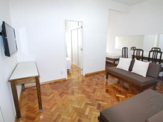 Large 1 bdr apt in the heart of Copacabana Rib2 - Rio de Janeiro vacation rentals
