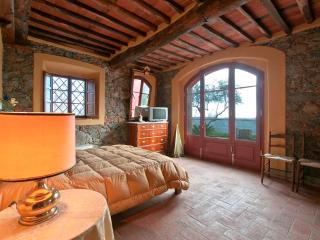 DOLCE MIELE up to 6 sleeps in the countryside with - Marlia vacation rentals