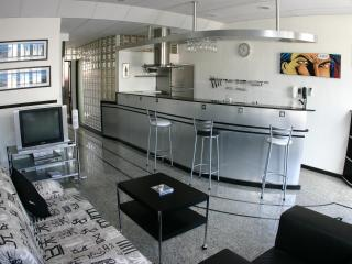 (1-28) Luxury 1 bedroom with balcony in Copacabana - Rio de Janeiro vacation rentals