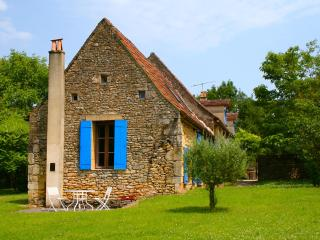 Restored Country Farmhouse with huge Pool & Garden - Tremolat vacation rentals
