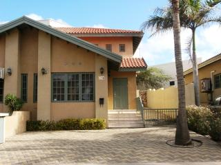 Palm Bliss Three-bedroom townhouse - Palm Beach vacation rentals