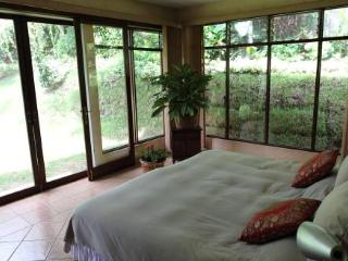 Espectacular suite - Santiago de Puriscal vacation rentals