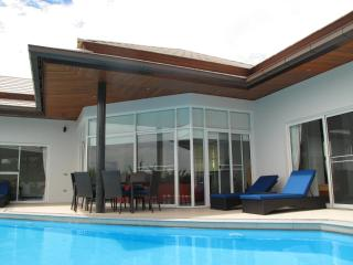 Villa 58 - Walk to Beautiful Choeng Mon Beach - Choeng Mon vacation rentals