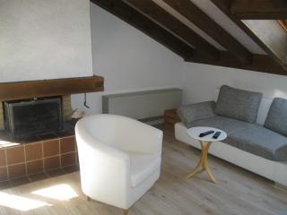 Cozy 2 bedroom Condo in Blankenburg with Short Breaks Allowed - Blankenburg vacation rentals