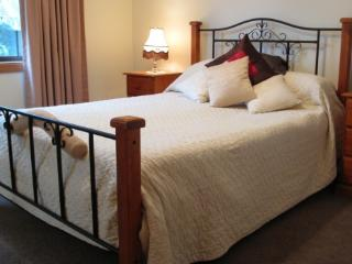 Nice 2 bedroom Cottage in Hobart - Hobart vacation rentals