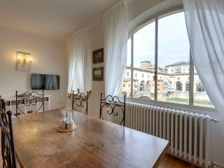 Bardi Apartment: stunning view! - Florence vacation rentals