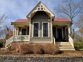 Sallie Lee Cottage - Asheville vacation rentals