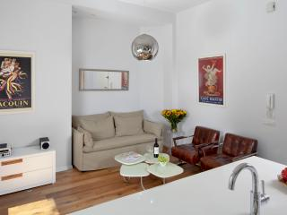 APARTMENT 2 - Tel Aviv vacation rentals