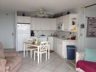 Kitchen - EBT-Gulf View-Tennis,Pool-Non Smoking-Up Dated - Fort Myers Beach - rentals