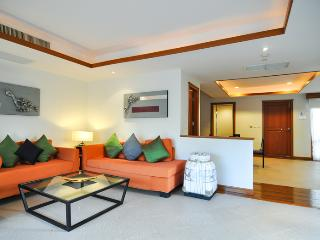 Luxurious 2BR, 3BATH, large bright Poolside Villa - Phuket vacation rentals