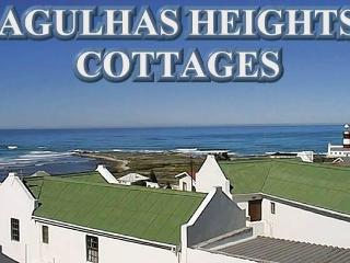 Nice Cottage in L'Agulhas with Deck, sleeps 4 - L'Agulhas vacation rentals