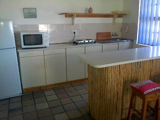Nice L'Agulhas vacation Cottage with Deck - L'Agulhas vacation rentals
